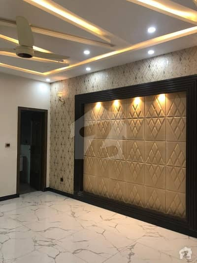 Excellent Location 10 Marla Lower Portion Available For Rent In Bahria Town Lahore