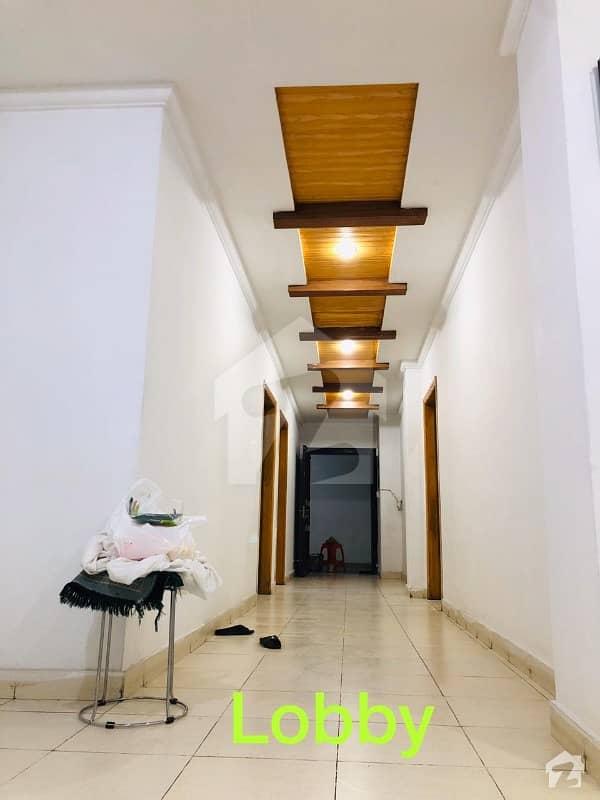 پارک ویو مال اینڈ اپارٹمنٹس کینال روڈ پشاور میں 3 کمروں کا 8 مرلہ فلیٹ 1.2 کروڑ میں برائے فروخت۔