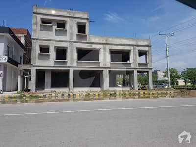 8 Marla Commercial Building Available For Rent