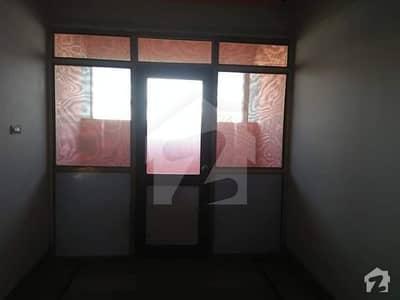 قیوم آباد ۔ سی ایریا قیوم آباد کراچی میں 3 مرلہ فلیٹ 18 ہزار میں کرایہ پر دستیاب ہے۔
