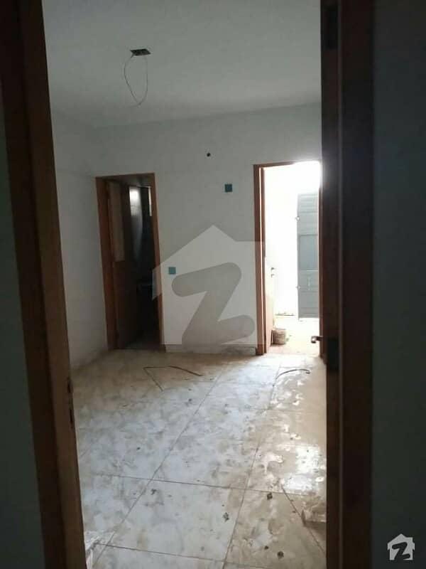 الروف کیسٹل ایم اے جناح روڈ کراچی میں 2 کمروں کا 4 مرلہ فلیٹ 1.5 کروڑ میں برائے فروخت۔