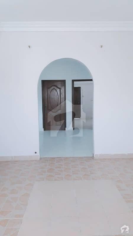 ڈی ایچ اے فیز 6 ڈی ایچ اے کراچی میں 2 کمروں کا 4 مرلہ فلیٹ 45 ہزار میں کرایہ پر دستیاب ہے۔
