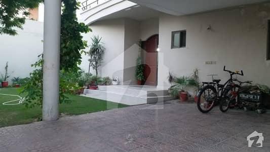 عسکری 10 - سیکٹر بی عسکری 10 عسکری لاہور میں 5 کمروں کا 1 کنال مکان 1.1 لاکھ میں کرایہ پر دستیاب ہے۔