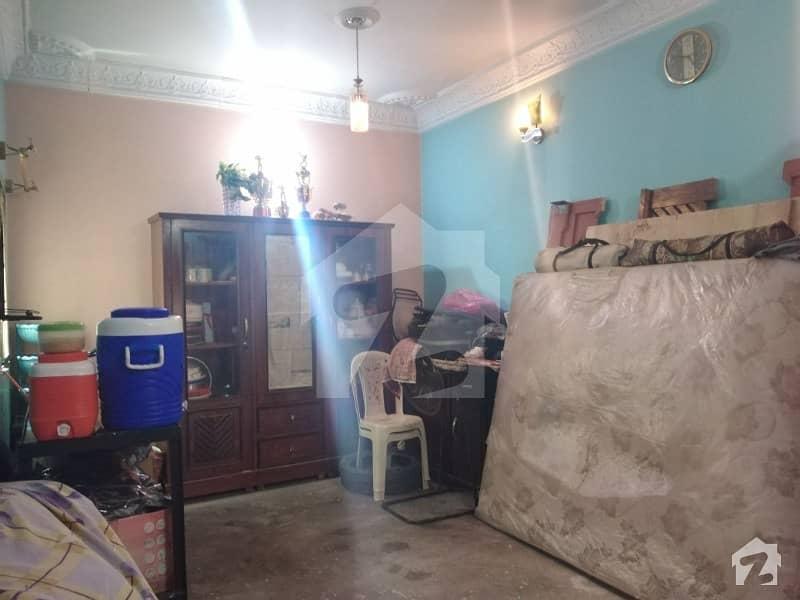کورنگی کراچی میں 9 کمروں کا 4 مرلہ مکان 95 لاکھ میں برائے فروخت۔