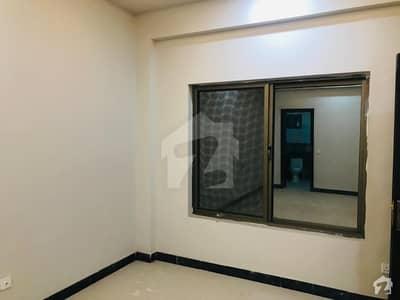 سلک ایگزیکٹو اپارٹمنٹ یونیورسٹی روڈ پشاور میں 3 کمروں کا 5 مرلہ فلیٹ 80 لاکھ میں برائے فروخت۔