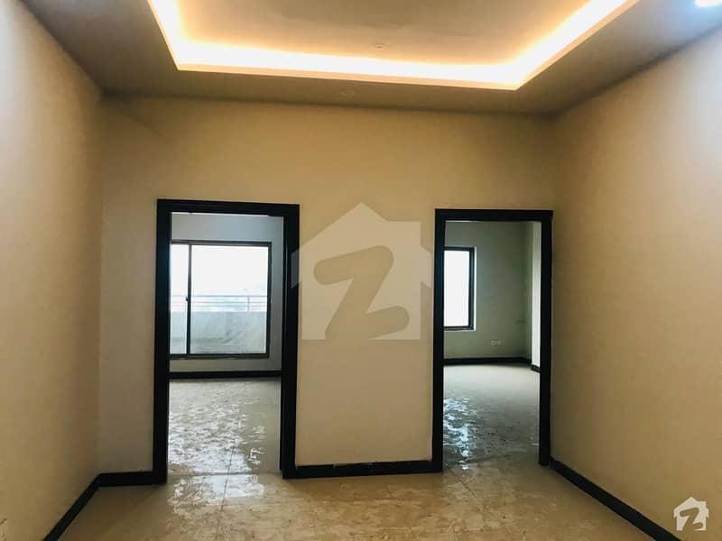 سلک ایگزیکٹو اپارٹمنٹ یونیورسٹی روڈ پشاور میں 3 کمروں کا 5 مرلہ فلیٹ 82 لاکھ میں برائے فروخت۔