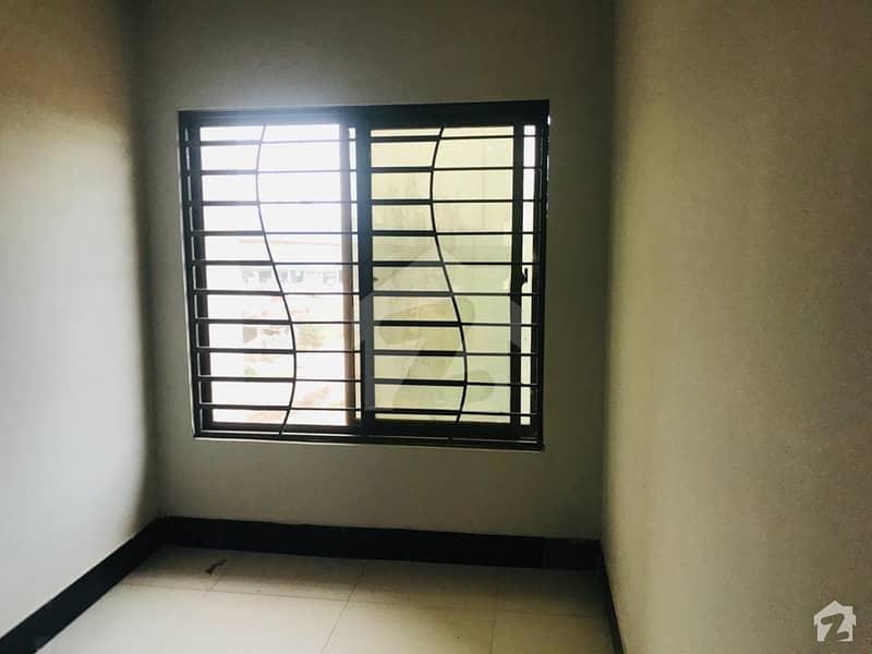 سلک ایگزیکٹو اپارٹمنٹ یونیورسٹی روڈ پشاور میں 3 کمروں کا 5 مرلہ فلیٹ 79 لاکھ میں برائے فروخت۔