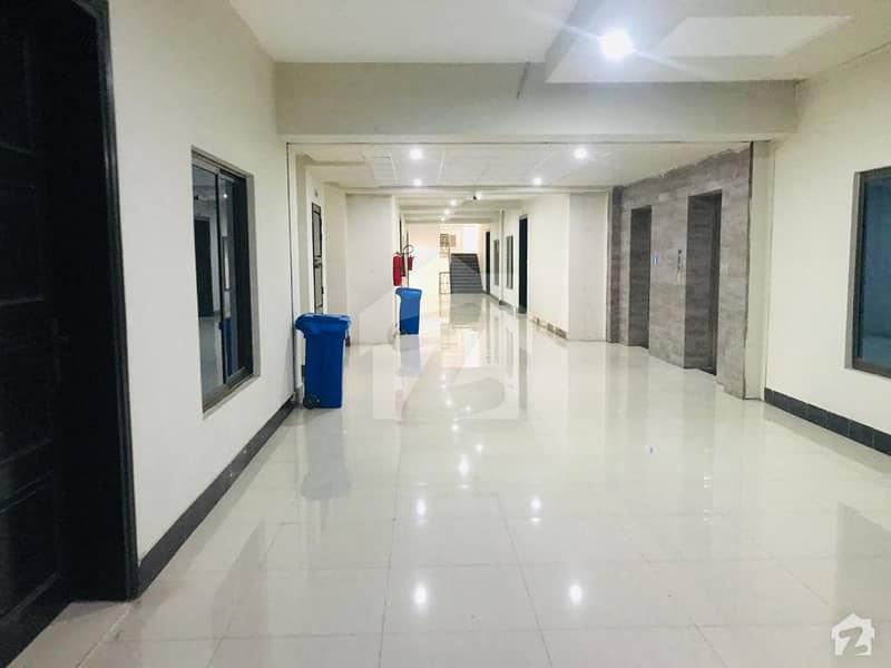 سلک ایگزیکٹو اپارٹمنٹ یونیورسٹی روڈ پشاور میں 3 کمروں کا 5 مرلہ فلیٹ 77 لاکھ میں برائے فروخت۔