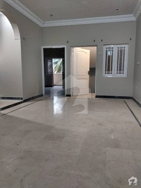 Excellent 1 Unit 4 Bed DD House For Sale In KDA Gated Society Park Facing