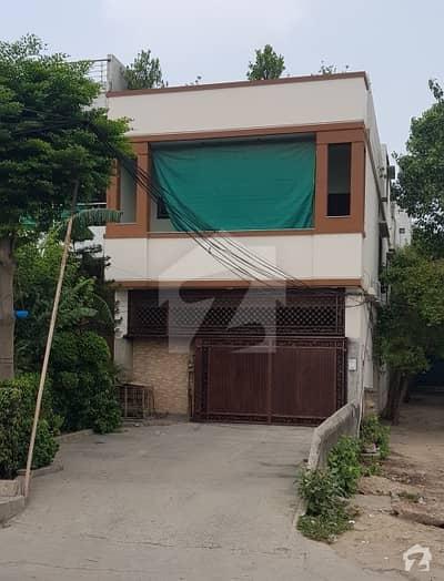 Corner 5 Marla Complete Unit on Main Kashmir Road - Elite