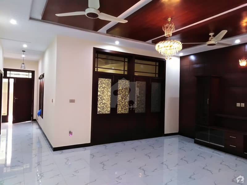 I83 Double Storey House For Sale