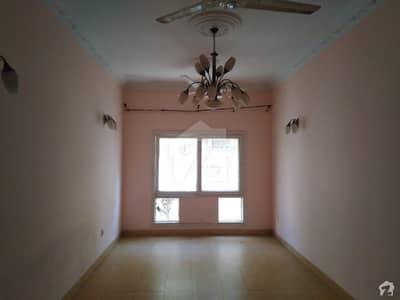 سحر کمرشل ایریا ڈی ایچ اے فیز 7 ڈی ایچ اے کراچی میں 2 کمروں کا 4 مرلہ فلیٹ 80 لاکھ میں برائے فروخت۔