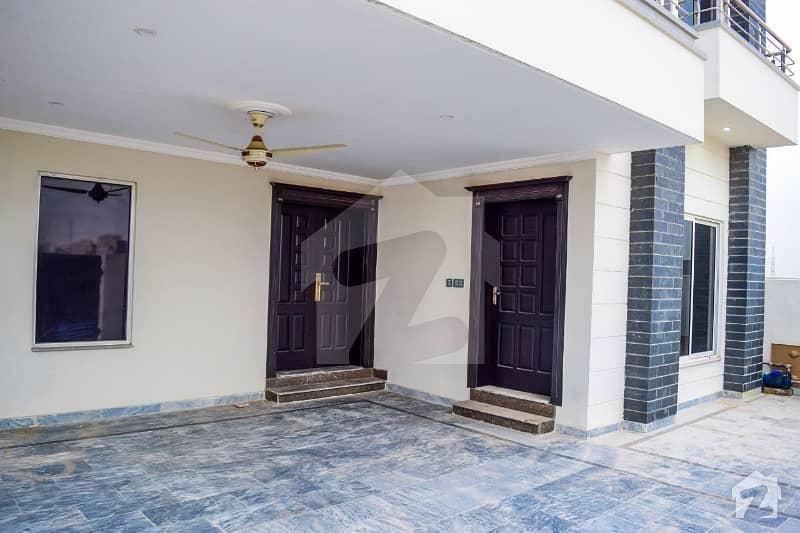 بحریہ ٹاؤن فیز 8 ۔ سیکٹر ایف - 1 بحریہ ٹاؤن فیز 8 بحریہ ٹاؤن راولپنڈی راولپنڈی میں 5 کمروں کا 10 مرلہ مکان 2 کروڑ میں برائے فروخت۔