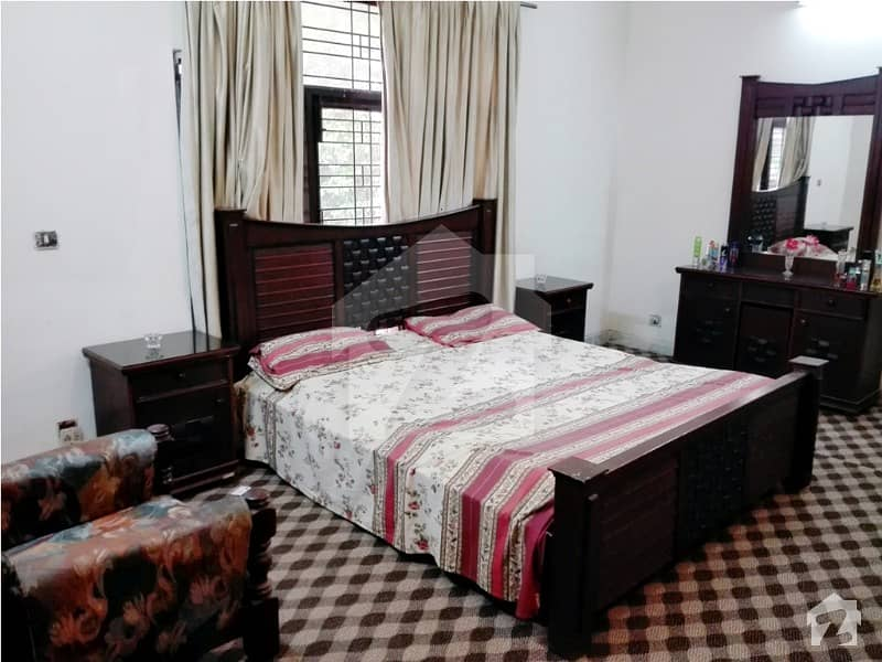 1 Bed Fully Furnished With Kitchen And Car Parking Near Masjid Chowk DHA