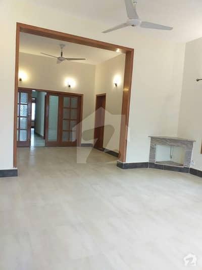 ایف ۔ 11 اسلام آباد میں 3 کمروں کا 1.11 کنال بالائی پورشن 78 ہزار میں کرایہ پر دستیاب ہے۔