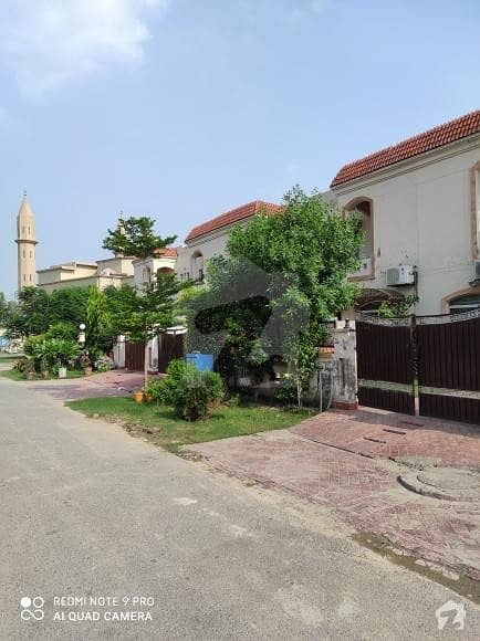 Paragon City 6 Marla House For Rent
