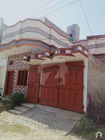 ویگن روڈ لاڑکانہ میں 5 کمروں کا 5 مرلہ مکان 70 لاکھ میں برائے فروخت۔