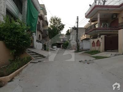 Khayaban-E-Tanveer  10 Marla House Available