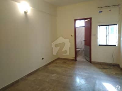 راحت کمرشل ایریا ڈی ایچ اے فیز 6 ڈی ایچ اے کراچی میں 2 کمروں کا 4 مرلہ فلیٹ 40 ہزار میں کرایہ پر دستیاب ہے۔