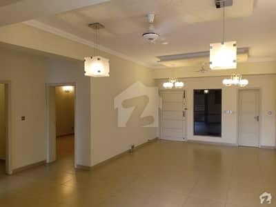 ڈپلومیٹک ریزیڈینسی جی ۔ 5 اسلام آباد میں 2 کمروں کا 8 مرلہ فلیٹ 4.5 کروڑ میں برائے فروخت۔