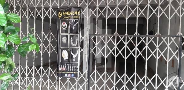 ایف ۔ 7 مرکز ایف ۔ 7 اسلام آباد میں 1 کمرے کا 7 مرلہ عمارت 18 کروڑ میں برائے فروخت۔