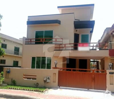 Investor Rate 10 Marla House For Sale