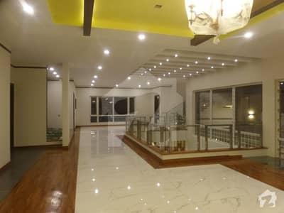 ڈی ایچ اے فیز 8 ڈی ایچ اے کراچی میں 6 کمروں کا 2 کنال مکان 22.95 کروڑ میں برائے فروخت۔