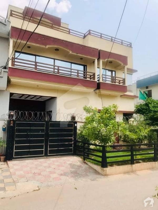 مارگلہ ٹاؤن اسلام آباد میں 8 کمروں کا 8 مرلہ مکان 3.75 کروڑ میں برائے فروخت۔