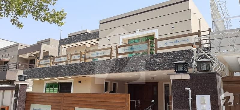 بحریہ ٹاؤن فیز 4 بحریہ ٹاؤن راولپنڈی راولپنڈی میں 5 کمروں کا 1 کنال مکان 4.3 کروڑ میں برائے فروخت۔