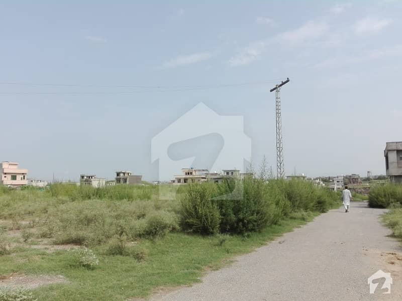 آئی۔12/1 آئی ۔ 12 اسلام آباد میں 8 مرلہ رہائشی پلاٹ 69 لاکھ میں برائے فروخت۔