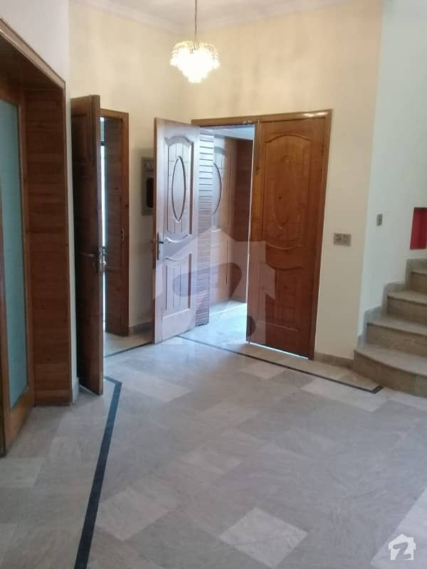 10 MARLA LUXURY LOW PRICE HOUSE FOR RENT