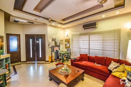 ڈی ایچ اے فیز 5 - بلاک ایل فیز 5 ڈیفنس (ڈی ایچ اے) لاہور میں 3 کمروں کا 7 مرلہ مکان 90 ہزار میں کرایہ پر دستیاب ہے۔