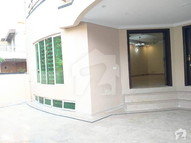 بحریہ ٹاؤن فیز 4 بحریہ ٹاؤن راولپنڈی راولپنڈی میں 6 کمروں کا 10 مرلہ مکان 2.3 کروڑ میں برائے فروخت۔