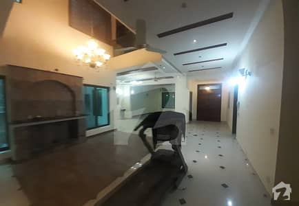 پی سی ایس آئی آر ہاؤسنگ سکیم فیز 2 پی سی ایس آئی آر ہاؤسنگ سکیم لاہور میں 3 کمروں کا 1 کنال مکان 1.15 لاکھ میں کرایہ پر دستیاب ہے۔