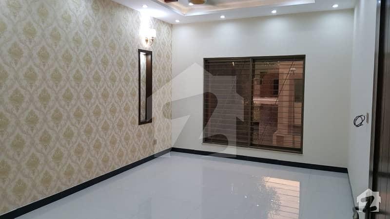1 Kanal 2nd Floor Tile Flooring On Very Hot Location