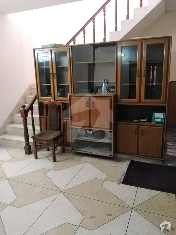 Allama Iqbal Town House For Sale Old House 30 Feet Road