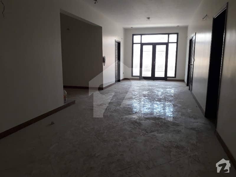 عامل کالونی کراچی میں 4 کمروں کا 10 مرلہ فلیٹ 3.1 کروڑ میں برائے فروخت۔