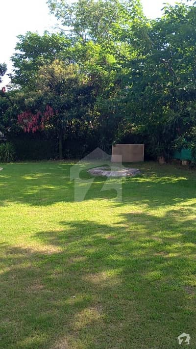 E7 I Bed Annex With Huge Lawn Peaceful Location