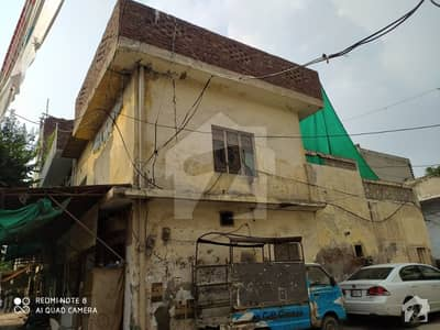 سوڈیوال کوارٹرز ملتان روڈ لاہور میں 5 کمروں کا 5 مرلہ مکان 1.7 کروڑ میں برائے فروخت۔