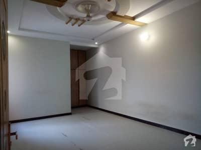 نیو شالیمار کالونی ملتان میں 4 کمروں کا 7 مرلہ مکان 45 ہزار میں کرایہ پر دستیاب ہے۔