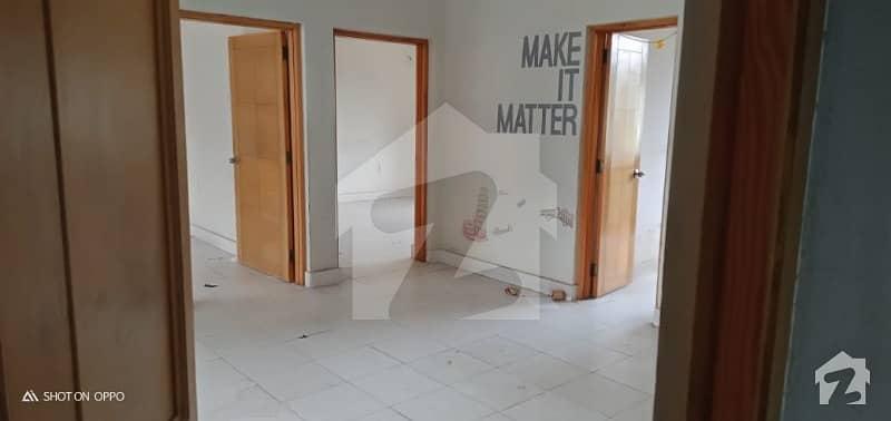 مین بلیوارڈ گلبرگ گلبرگ لاہور میں 2 کمروں کا 1 کنال بالائی پورشن 80 ہزار میں کرایہ پر دستیاب ہے۔