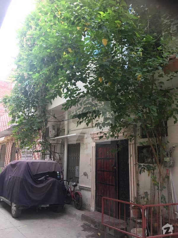 بھوگیوال روڈ لاہور میں 6 کمروں کا 4 مرلہ مکان 85 لاکھ میں برائے فروخت۔