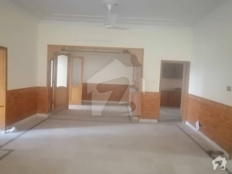 12 Marla Portion For Rent 3 Bed 3 Bath Water Gas Electricity Available Near To Market Masjid Main Double Road All Facilities Available In G 15 Islamabad