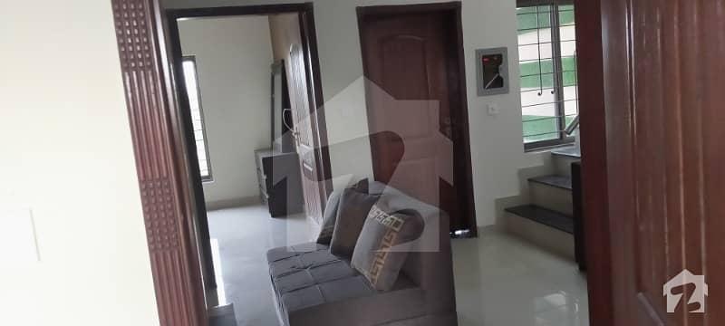 پی آئی اے ہاؤسنگ سکیم لاہور میں 3 کمروں کا 10 مرلہ بالائی پورشن 35 ہزار میں کرایہ پر دستیاب ہے۔
