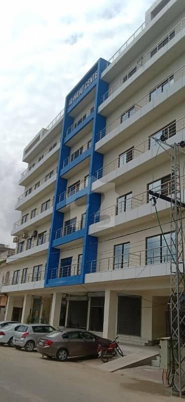 Apartment At Hot Location Near Umt And Ucp