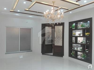 پاک عرب ہاؤسنگ سوسائٹی لاہور میں 5 کمروں کا 10 مرلہ مکان 80 ہزار میں کرایہ پر دستیاب ہے۔