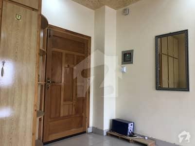 کینٹ پشاور میں 3 کمروں کا 4 مرلہ فلیٹ 65 لاکھ میں برائے فروخت۔