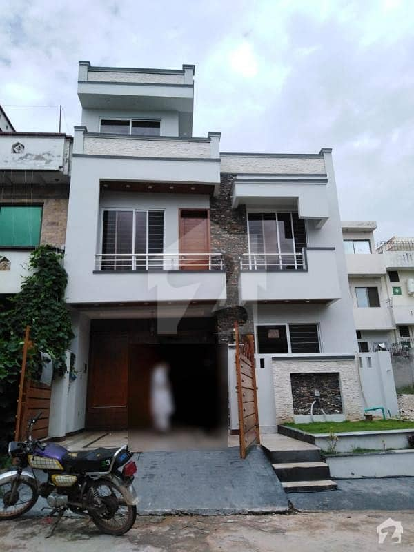 Brandnew 25x40 Sq. Feet House For Sale With 3 Bedrooms In G13 Islamabad