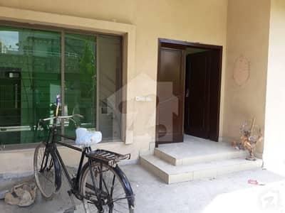 عسکری 10 - سیکٹر ڈی عسکری 10 عسکری لاہور میں 4 کمروں کا 10 مرلہ مکان 67 ہزار میں کرایہ پر دستیاب ہے۔