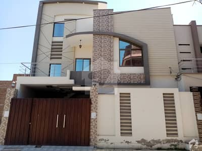 1350  Square Feet House Is Available In Fazeelat Town